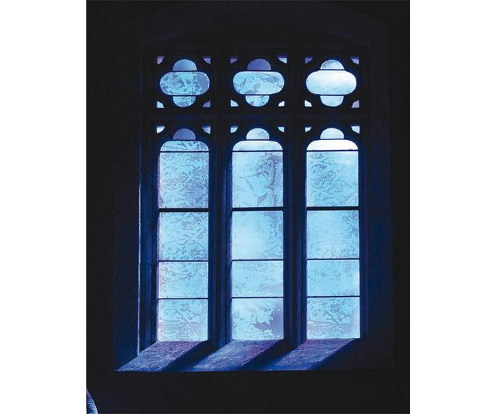 l'hôpital des pèlerins à Pons vitraux